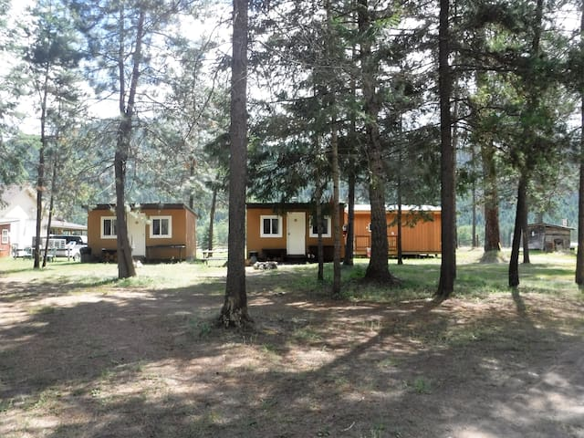 Double E Sportsman's Camp Cozy Cabin #8 - Westbridge - Stuga