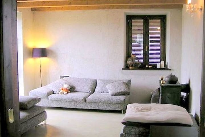 Cozy Holiday Home in Torresina Italy with Private Pool