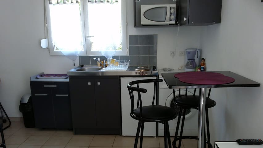 studio cosy and equipped near Aix en Provence - Gardanne - Flat