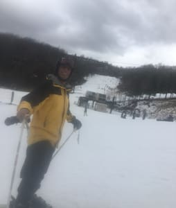 Walk to lifts and bars! Huge rooms! - Beech Mountain