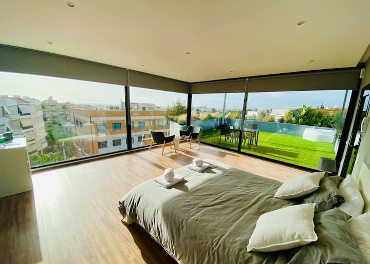 Alimos Roof Suite
