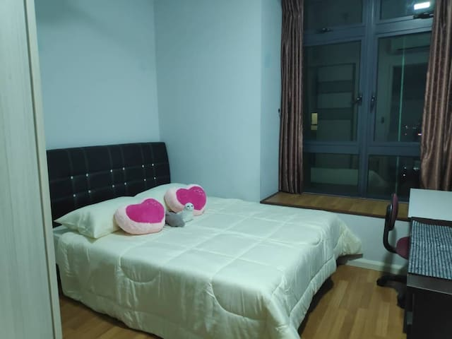 Cozy Bedroom B @ Sunway Pyramid , PJS 9 Area
