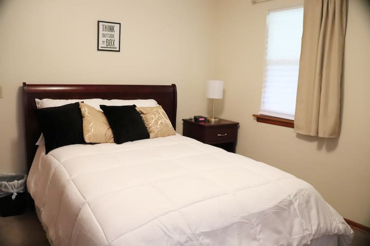 Large Bedroom w/Comfortable New Full Size Bed & Dresser