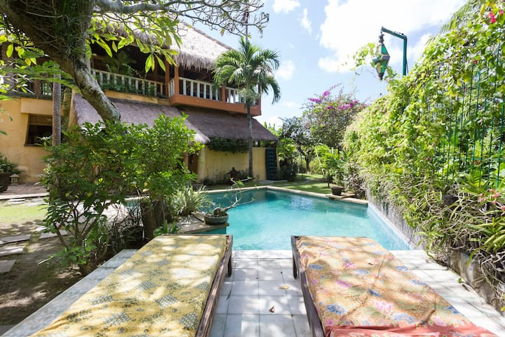 2 bedroom Villa with own pool. Quiet & peaceful.