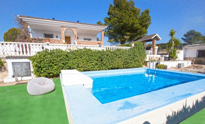 Catalunya Casas: Villa Tortosa, only 20 km to Costa Dorada beaches!