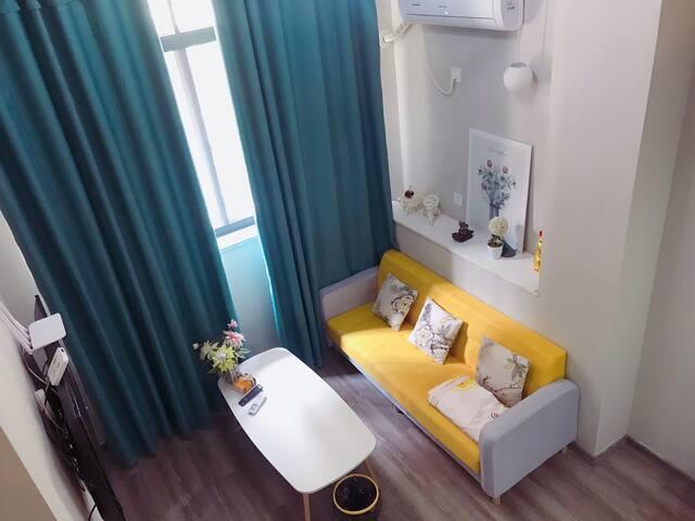 [Sloths Home]市中心冒险岛金汇万地小转盘处loft复式简约时尚公寓一居室。近动车站汽车站