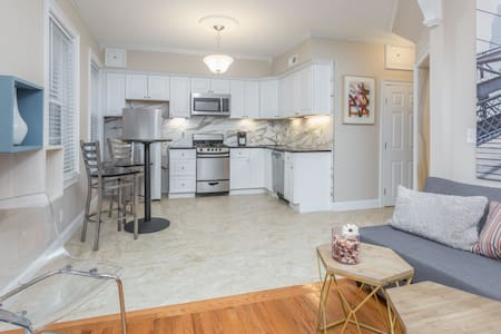 Newly Decorated Private Room in North End 2 - Boston - Apartment