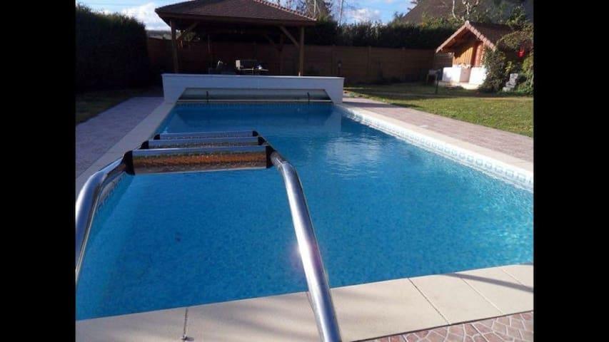 Villa piscine 20 min de Paris - Marcoussis