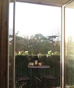 3 pièces dans un écrin de verdure à 20mn de Paris - Rueil-Malmaison - Wohnung