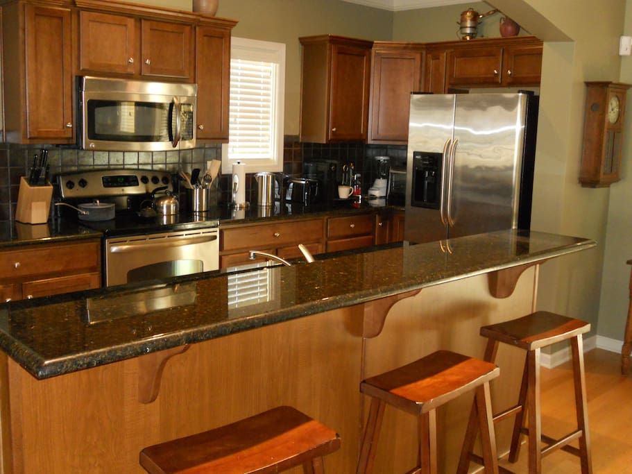 Access to fully furnished kitchen with dining area.  Space available in pantry and refrigerator.