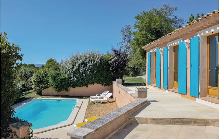 Beautiful home in Roussillon with 3 Bedrooms