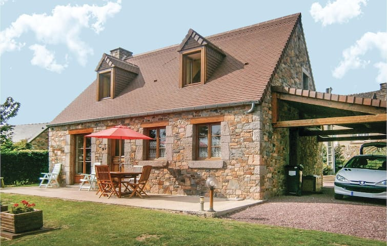 Holiday cottage with 3 bedrooms on 125m² in Treauville