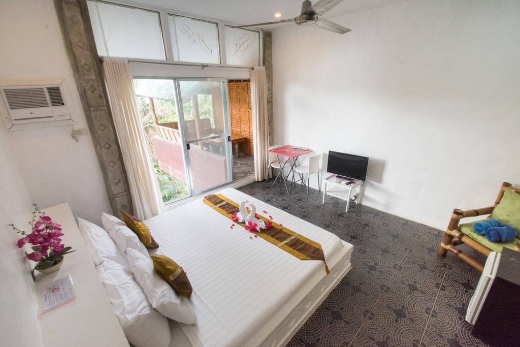 Large spacious deluxe room with balcony