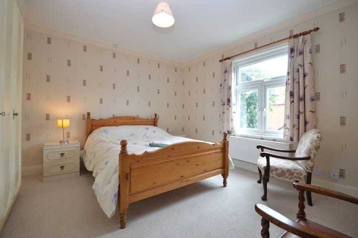 Two bed house in centre of Newark - Newark-on-Trent - House
