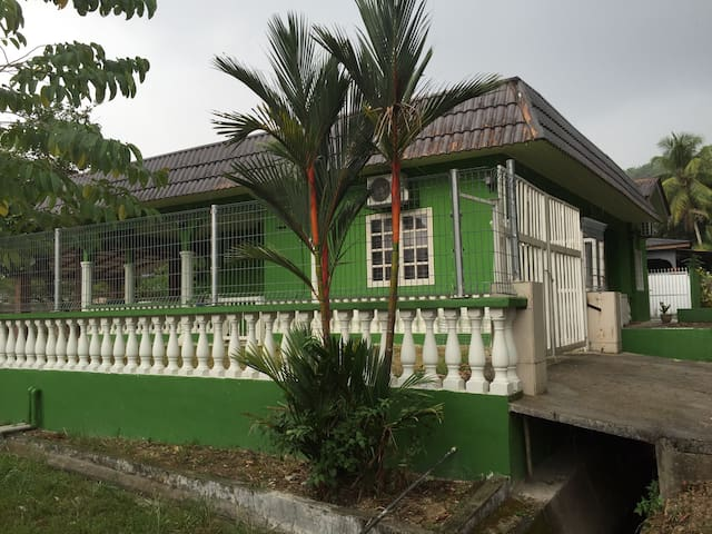 Cozy, serene and spacious house - Rawang - House