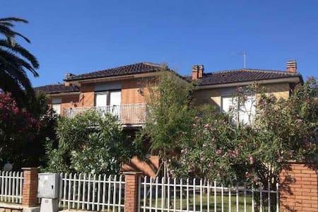 CASA MARE IN ESCLUSIVA ZONA RESIDENZIALE TARQUINIA - Voltone - Townhouse