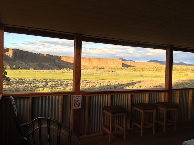 Overlook Lodge at Crooked River Ranch...