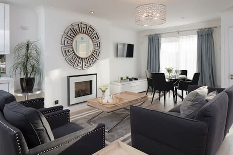 Luxury apartment near beach*Book now for July/Aug*