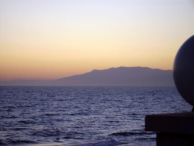3 bedroom apt in front of the beach - Almería - Condominium