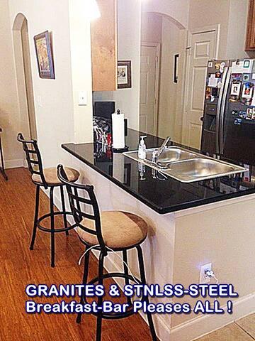 Super Clean Fully Furnished 750 sq. ft. Apt. / W/D