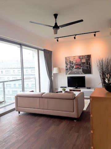 Modern Studio Serviced Apartment - One North(ONR)
