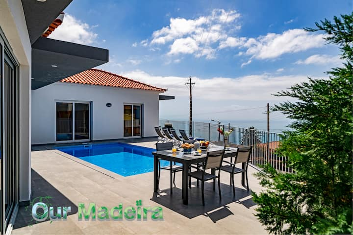 NEW Beautiful Modern Villa in Calheta – CalhetaScape