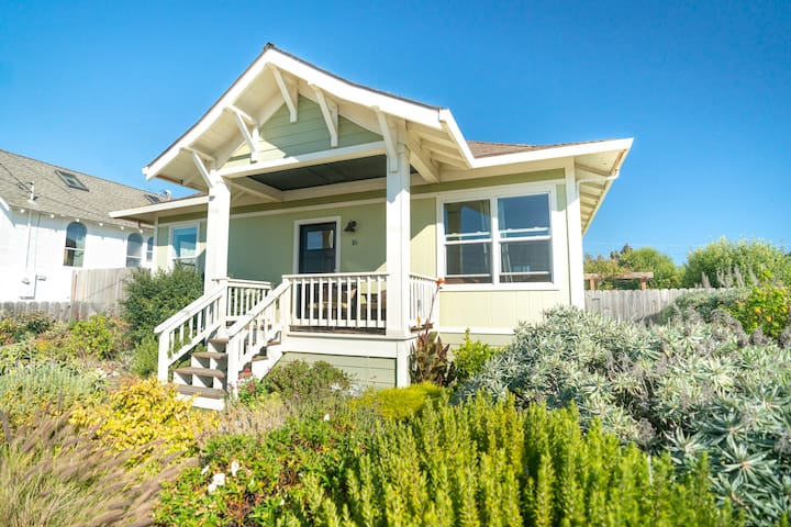 Inviting Beach House in serene Davenport