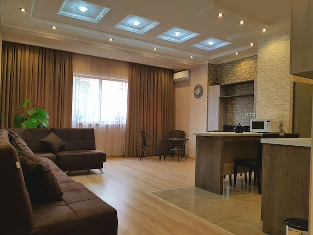 Good Apartment str Dadiani