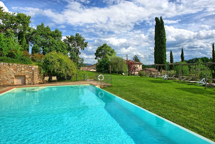 Le Fonti 4 - Holiday Apartment in country house on the Chianti hills, Tuscany