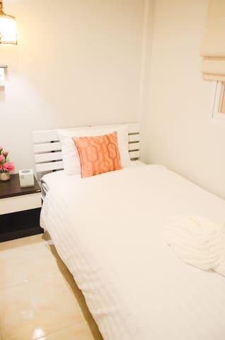 Standard Economy Twin Room - Tambon San Klang - House