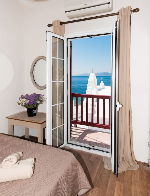 Room with sea view balcony