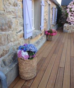 Maison typique en pierres - Crozon - House