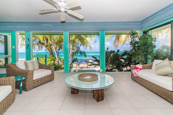 Fingertip: Gorgeous Waterfront Villa w/Private Beach in Cayman Kai