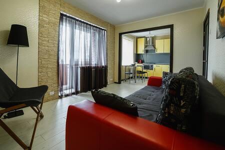 """Апартаменты в самом центре от """"Orhideya Apartment"""""""
