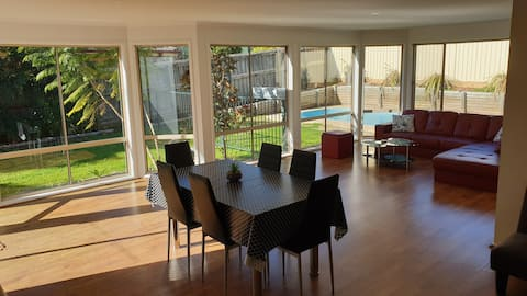 Newly Renovated, Large Open Plan House with Pool
