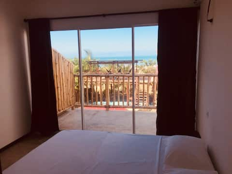 PRIVATE ROOM WITH SEA VIEW ★ TOP RATED HOSTEL ★