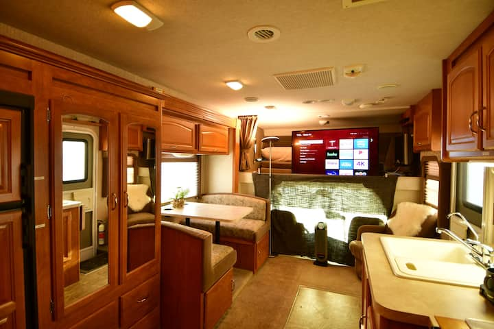 Cozy Private Camper Conveniently Located near S.F