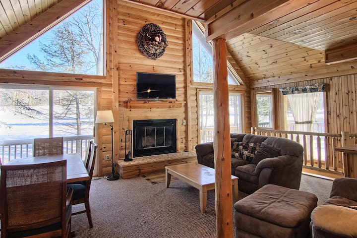 Enjoy a Winter Getaway at Woodland Cottage