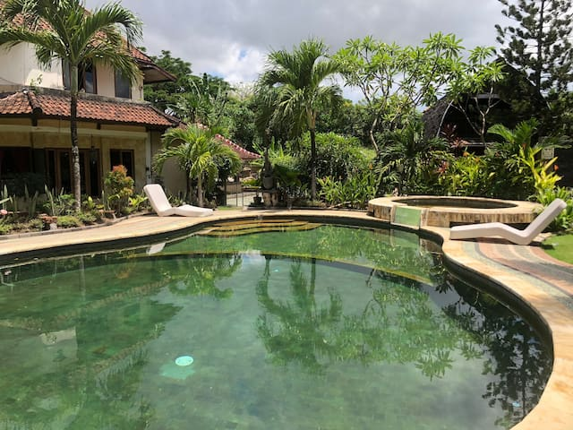 Hidden Wooden Villa in Legian Near Beach with pool