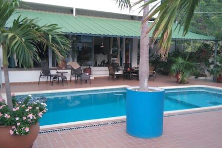 Suite Oasis con vista al mar -  Taganga, Santa Marta - Bed & Breakfast