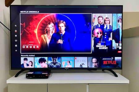 Myrro's Home - Unli Wifi! - Netflix all you want!