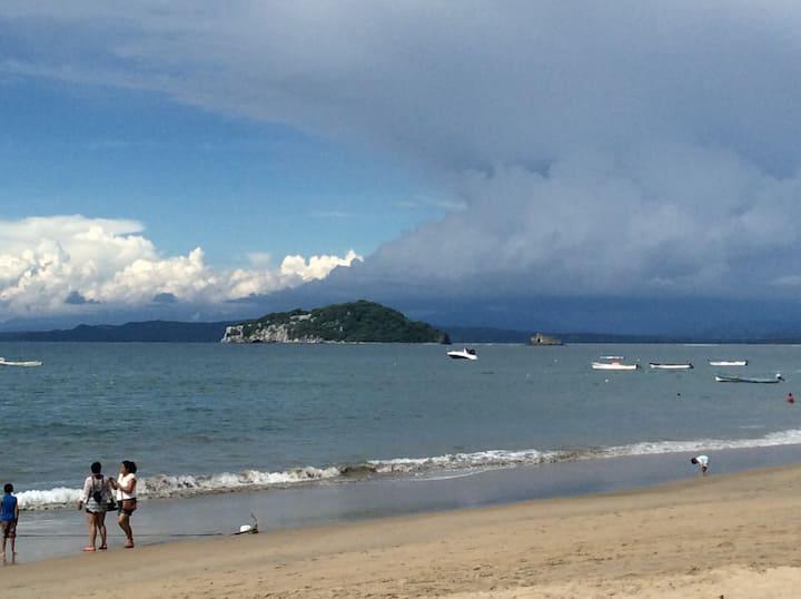"""Casita Oceana "" Los Ayala Beachfront"