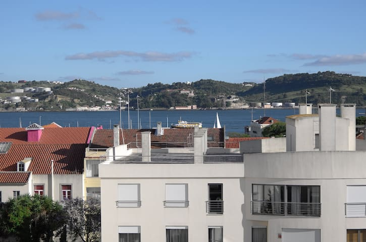 Family apartment with large terrace in Belem
