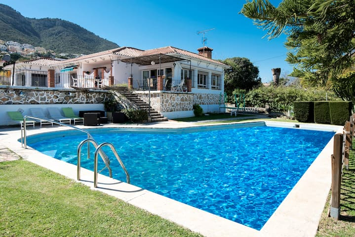 Beautiful villa with pool 5 minutes from beach - Alhaurín de la Torre
