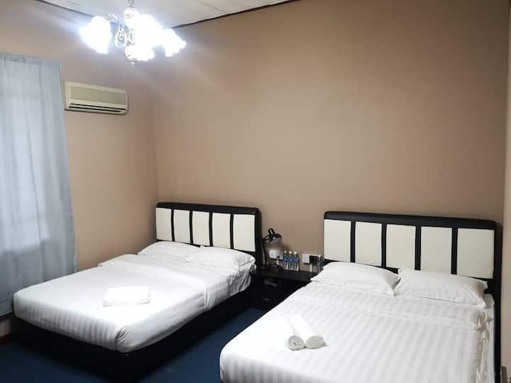TerminaL 6 Homestay - Room 5