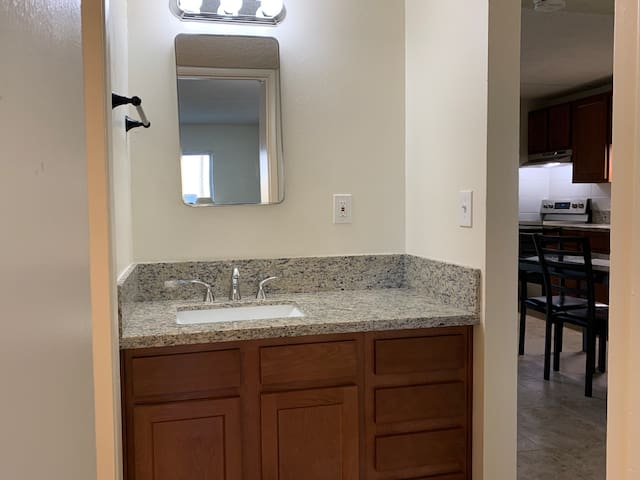 Quiet, easy going 2bd/2bth Apt. right next to UofA
