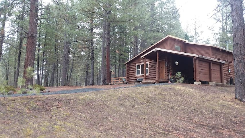 Cabin by the Williamson River, near Crater Lake