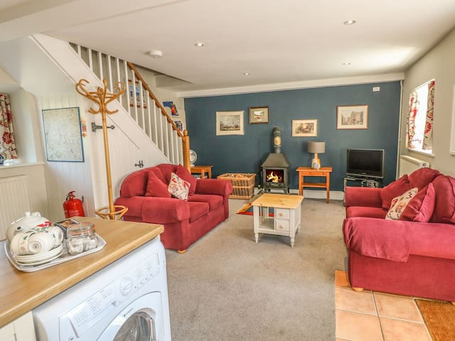 Hallows Cottage, Wetton Barns Holiday Cottages