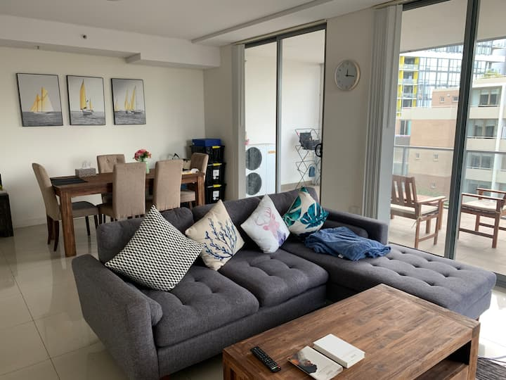 Luxury Double Room 2 at Mascot with Great Location