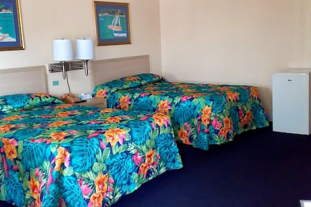 ROYAL ISLANDER DOUBLE ROOM IS ABOUT OPTION AND PREFERENCES. CARPET OR TILE FLOOR - THEY'RE ALL SPACIOUS, AIRY, COMFORTABLE, AND MORE IMPORTANTLY CLEAN.